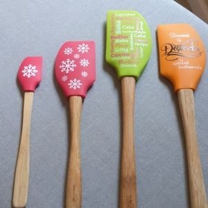Pampered chef spatula's set of 4
